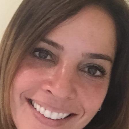 Dr. Alessandra Raschkovsky