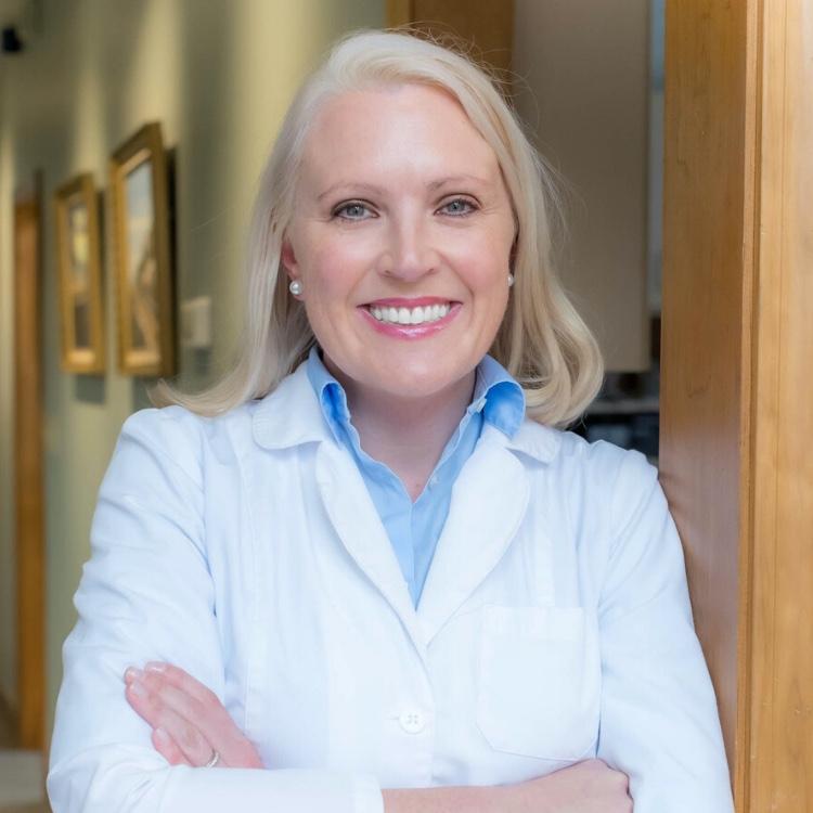 Dr. Amanda D Hallinan
