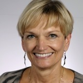 Dr. Anne Becker