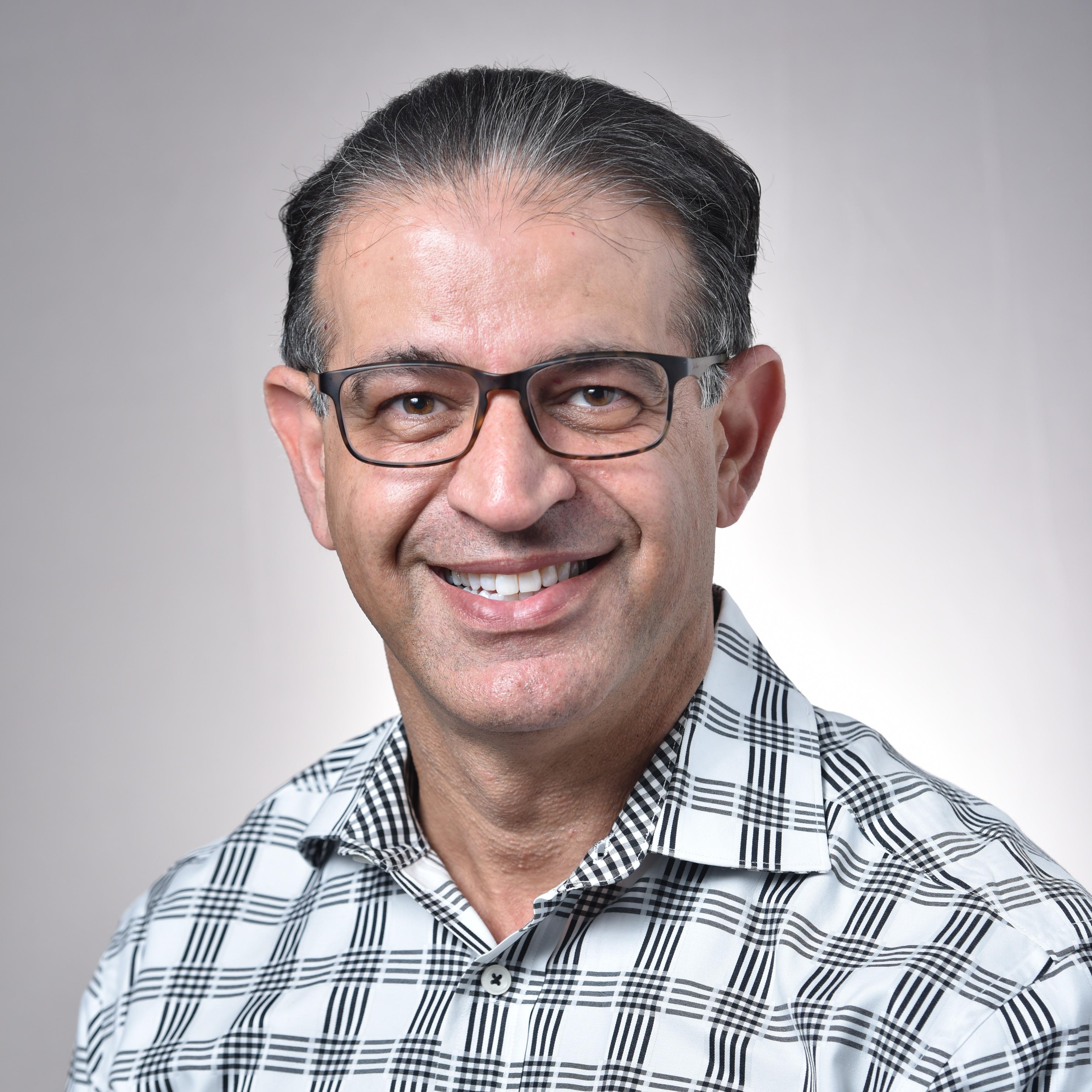 Dr. Antonio Essapour