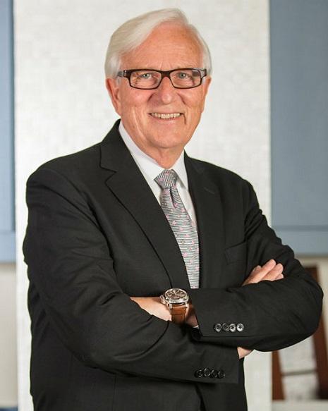 Dr. C T Szymanowski