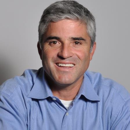 Dr. Camilo Riano