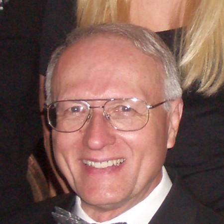 Dennis L Hoofnagle DDS