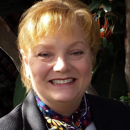 Dr. Diane E Casey DDS FACD