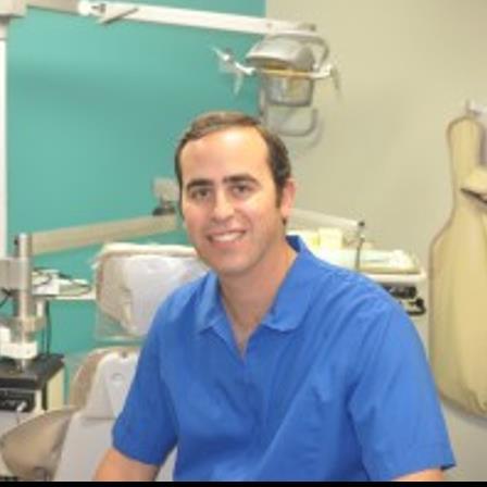 Dr. Gabriel J Larrea
