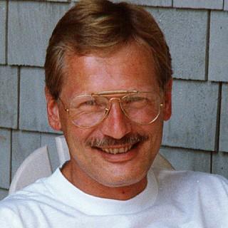 Dr. Geoffrey W Wagner