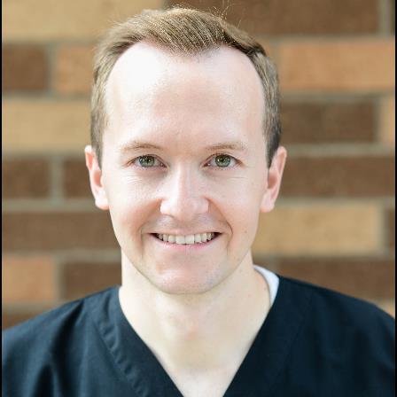 Dr. Glenn T LeSueur