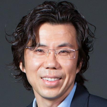 Dr. Klaus M Yi