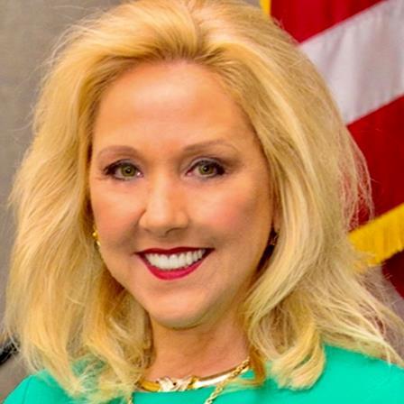 Dr. Linda Massod