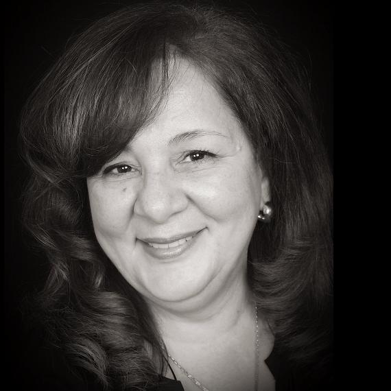 Dr. Linda M Nakhla