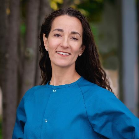 Dr. Lisa M Abadeer