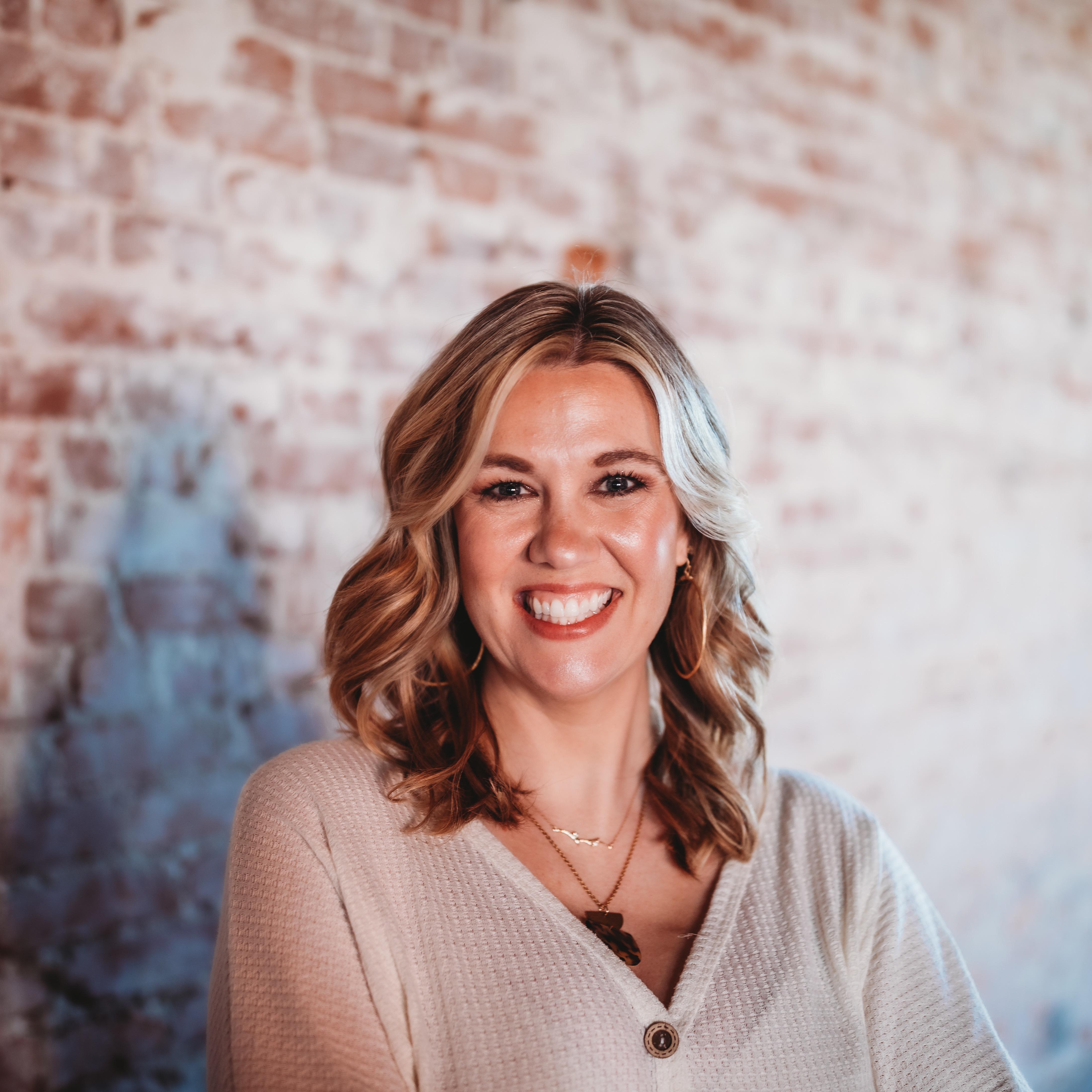 Dr. Lisa M Bosch