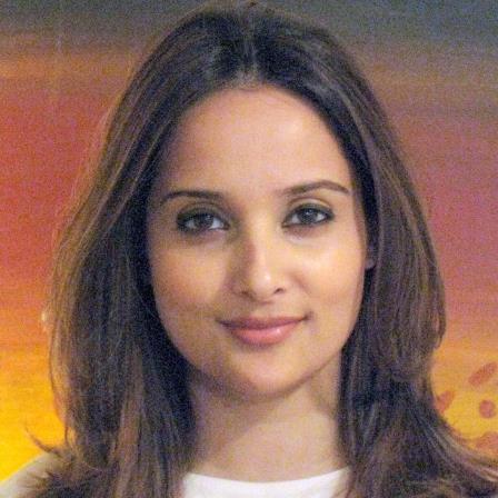Dr. Maheen Ishaq