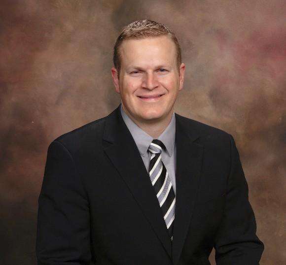 Dr. Matthew D Murray