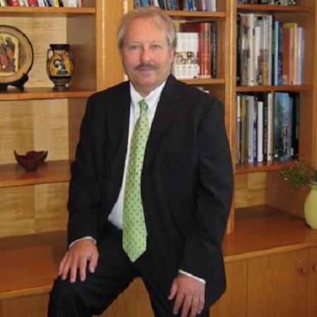 Dr. Michael Mendlowski