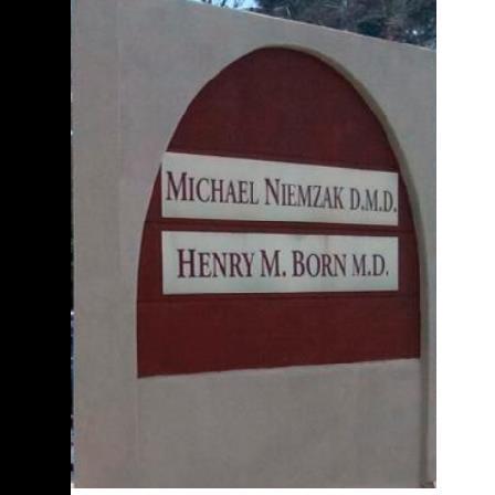 Dr. Michael Niemzak