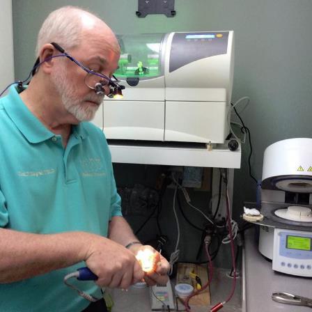 Dr. Paul D Hague