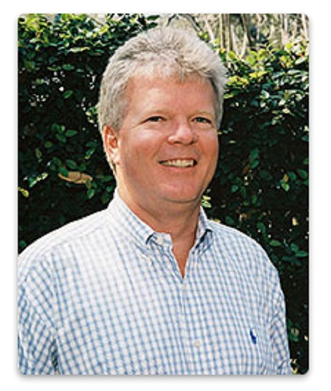 Dr. Robert D Calcote