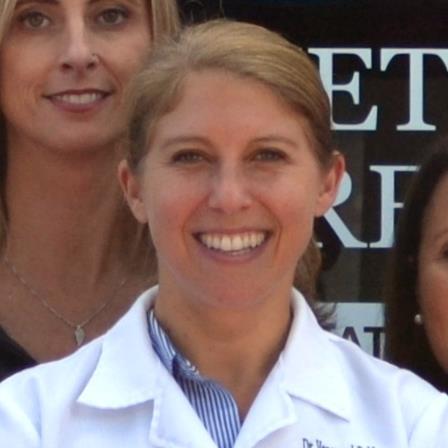 Dr. Vanessa J Robb