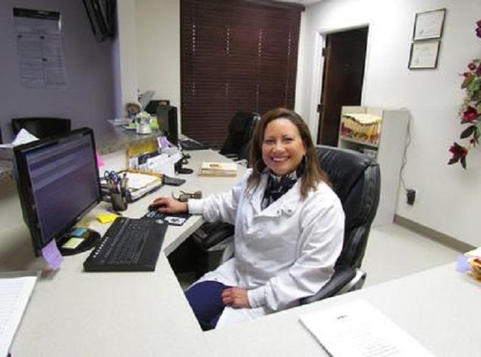 Dr. Victoria C Pocasangre