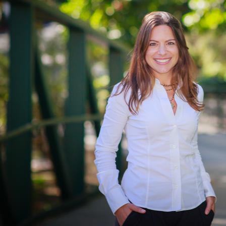 Dr. Viorela Bauer